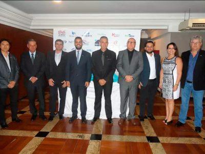 Cerimônia de posse da nova diretoria da Adivipar reúne representantes do setor vidreiro de todo o país